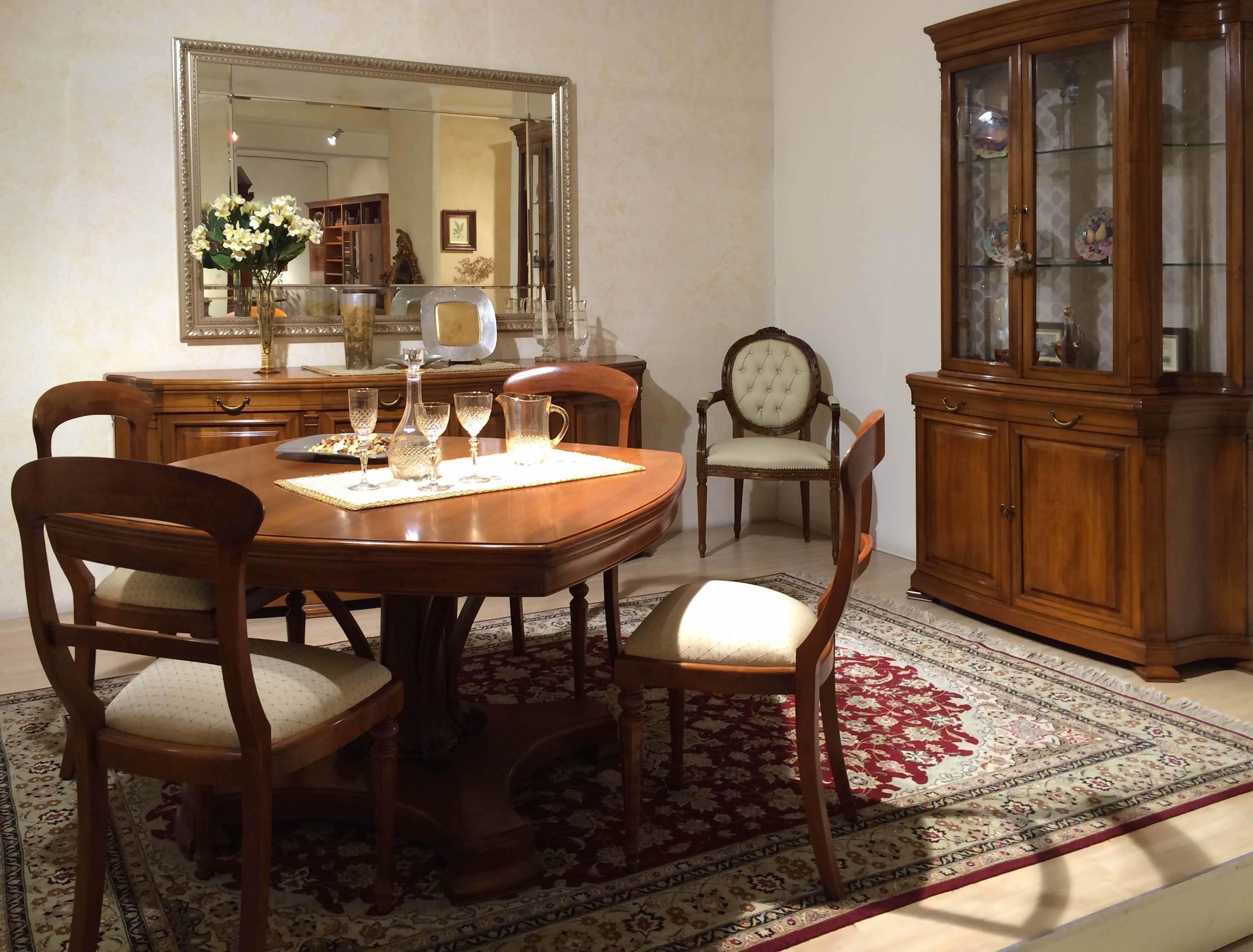 Sala da pranzo stile 800 in legno massello noce for Mobili sala da pranzo moderni