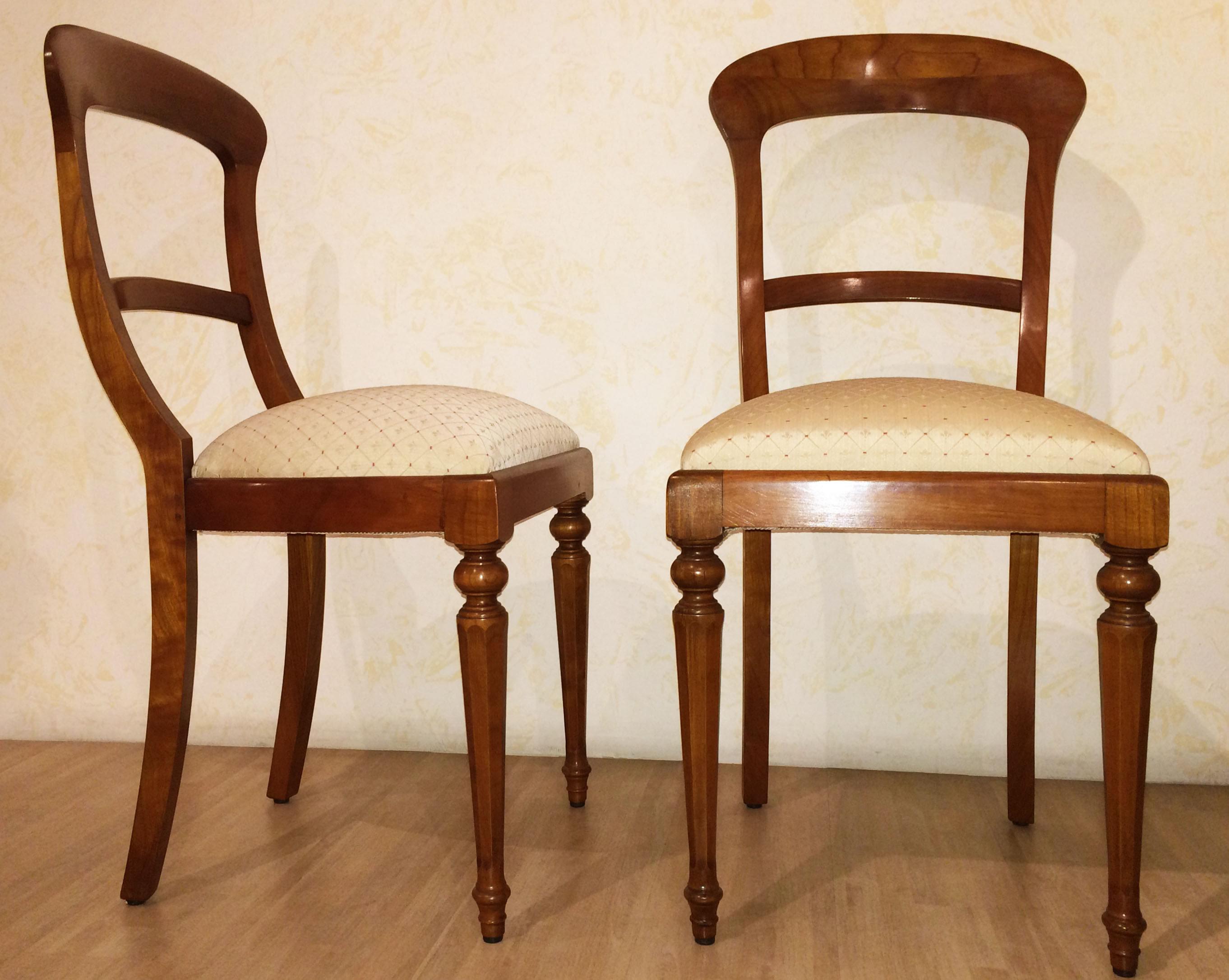 Sedia stile 800 in legno massello noce chiaro for Sedie in legno massello