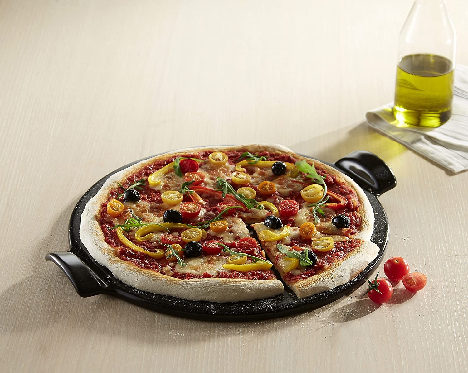 New Smooth Pizza Stone Emile Henry EH797514 Fusain